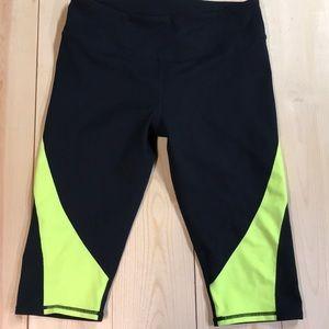 Fabletics knee length leggings